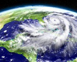台風 影響 東側 西側