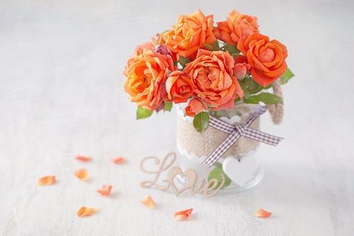 バレンタイン 色 イメージ 意味 効果 オレンジ